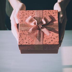 誕生日プレゼントを選ぶ前に!!そのプレゼントの意味知ってる?